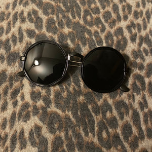 Black circle Sunnies