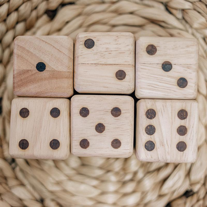 QToys Wooden Dice Set of 6