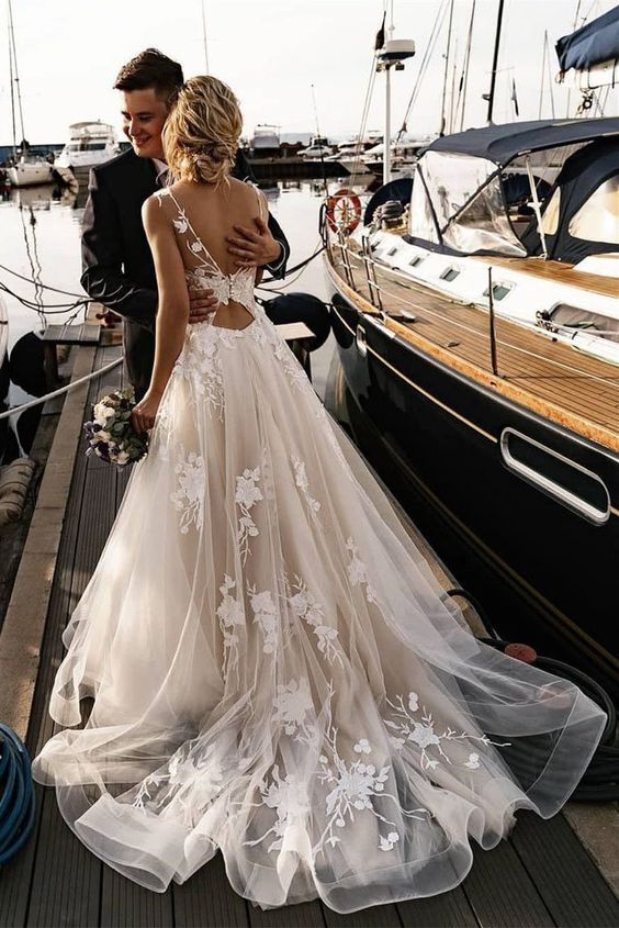 A Line Floral Appliques Beach Wedding Dresses Backless Tulle Wedding Gowns WEK081