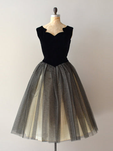 A-line Vintage Homecoming Dress Simple Straps Tulle Black Short Prom Dress AM007