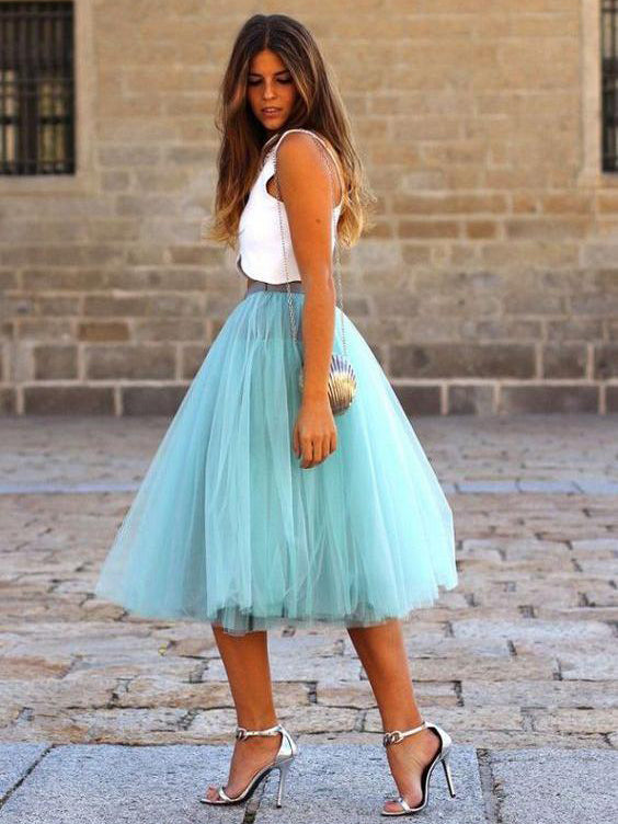 Chic A-line Two Pieces Blue Prom Dress Tulle Sleeveless Knee Length Evening Dress Party Dress AM152