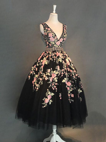 Chic A-line V-neck Black Tulle Modest Applique Tea Length Short Prom Dress Homecoming Dress AM168