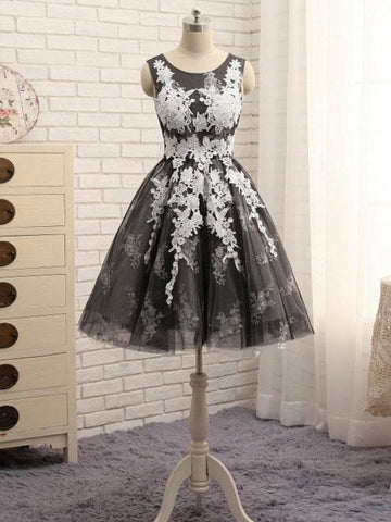Chic A-line Scoop Applique Tulle Gray Modest Short Prom Dress Homecoming Dress AM610