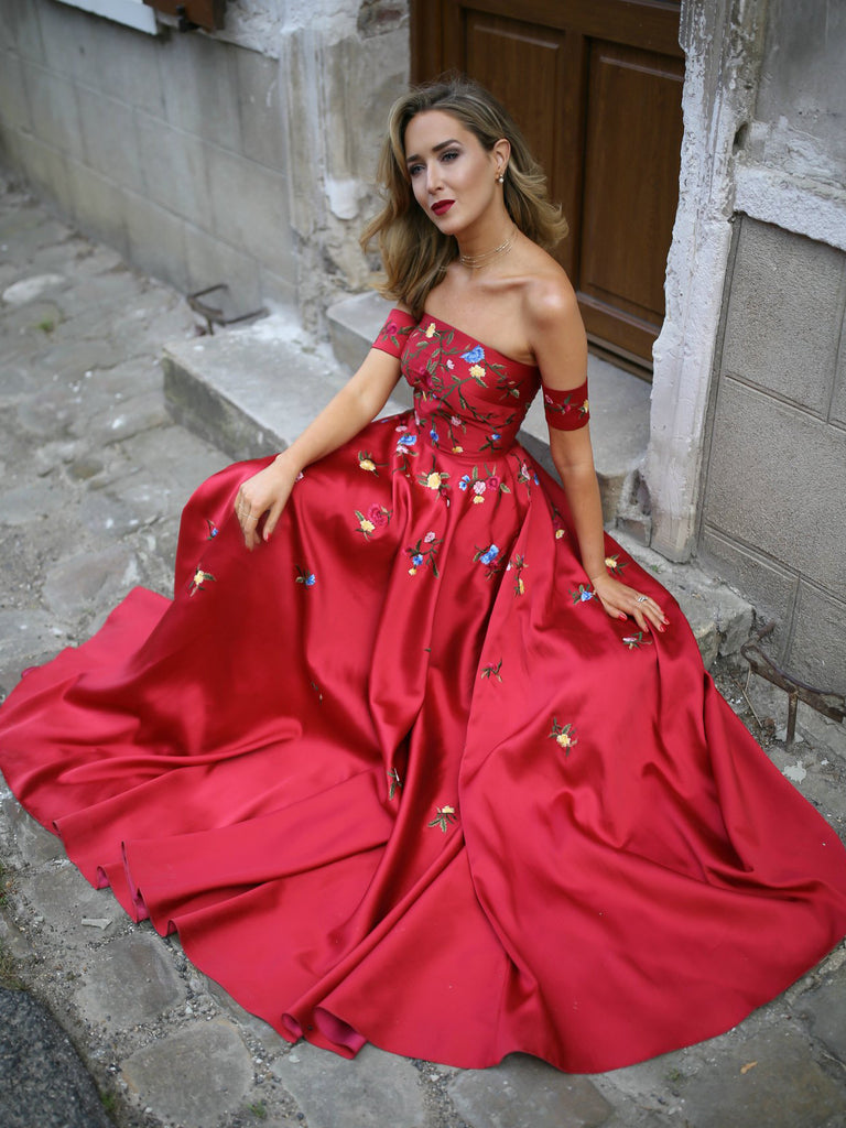 A-line Long Prom Dress Burgundy Off-the-shoulder Satin Embroidery Chic Evening Dress AM694