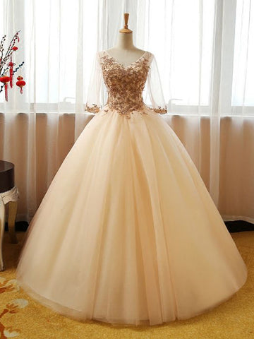 Chic Ball Gowns V-neck Tulle Applique Modest Long Prom Dress Evening Dress AM761