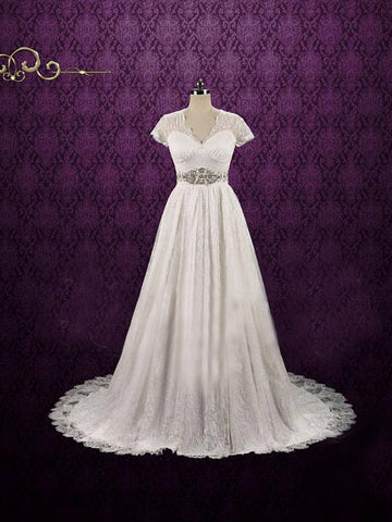 Chic A-line V-neck Tulle Lace Short Sleeve White Bridal Dress Wedding Dress AM788