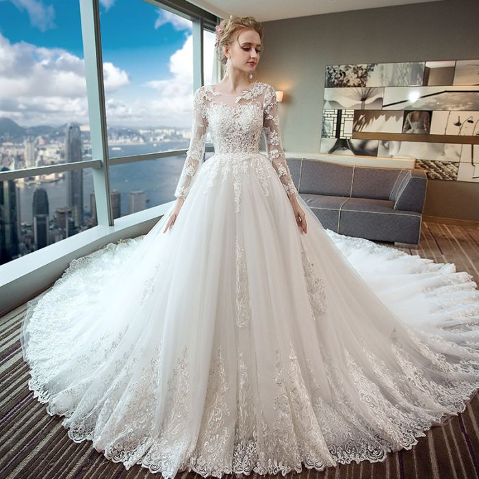 3a99366e734 ... Gorgeous Wedding Dress 2018 Scoop Lace Applique Flowers Tulle Long  Sleeve Bridal Gown AM882 ...