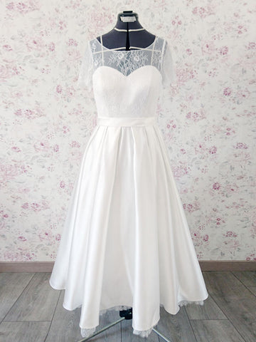 Chic Tea Length Wedding Dresses A-line Half Sleeve Scoop Lace Wedding Dress AMY086