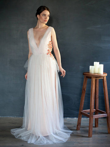 Chic Deep V neck Prom Dress A-line Tulle Floral Elegant Prom Dresses Long Evening Dress AMY1028