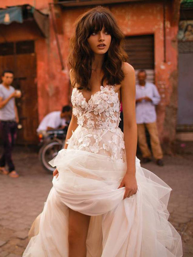 A-line Spaghetti Straps Applique Gorgeous Wedding Dress Sweep/Brush Train Modest Bride Gowns|Amyprom