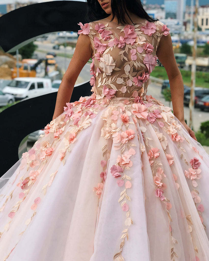 Chic Ball Gowns Scoop Applique Prom Dress Floral Prom