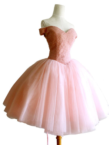 2018 Chic A-line Off-the-Shoulder Sparkly Homecoming Dresses Unique Short Prom Dress Pink Homecoming Dresses AMY2162