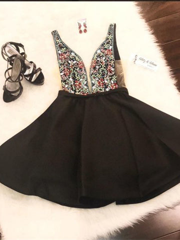2018 Chic A-line Straps Black Homecoming Dresses Beaded Short Prom Dress Homecoming Dress AMY2179