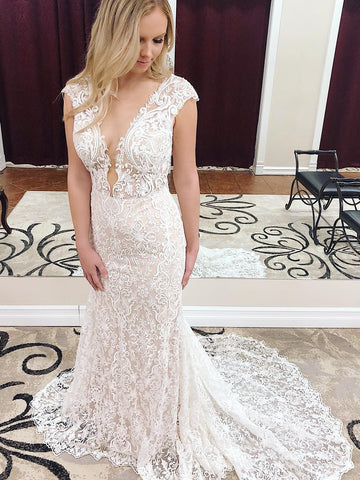 2018 Chic Trumpet/Mermaid V neck Sleeveless Lace Wedding Dresses Zipper Country Wedding Dress AMY2378