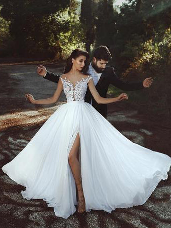 2018 Chic A-line Scoop Lace Wedding Bridal Wedding Dresses AMY2401