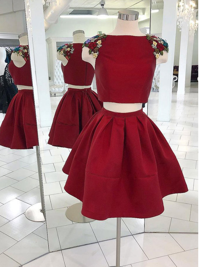 Two Pieces A-line Short Prom Dresses With Beading Burgundy Homecoming Dress AMY3333