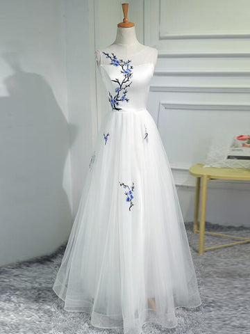 2018 A-line Prom Dresses Scoop White Applique Long Prom Dress Evening Dresses AMY610