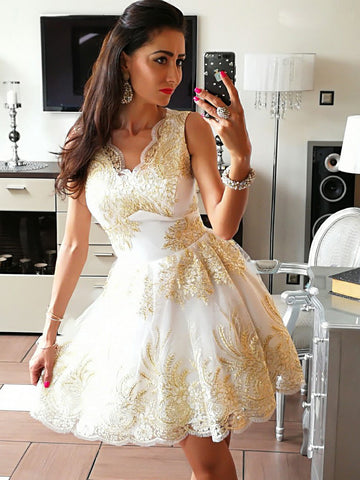 A-line V-neck Homecoming Dress Appliques Tulle Short Prom Dress SKA115