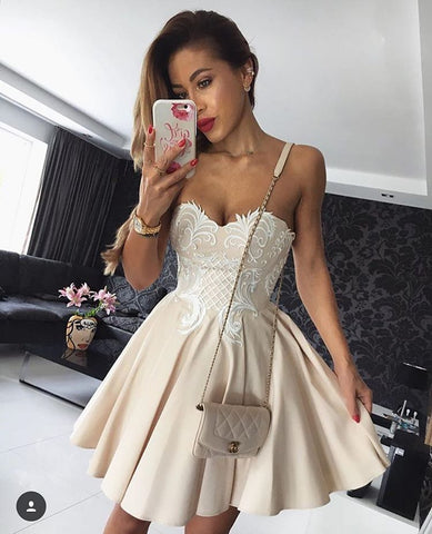 A-line-Sweetheart-Homecoming-Dresses-Satin-Prom-Dresses-SKY882