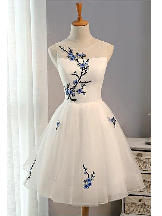 Charming A-line Scoop White Homecoming Dress Tulle Short Prom Drsess SKY924