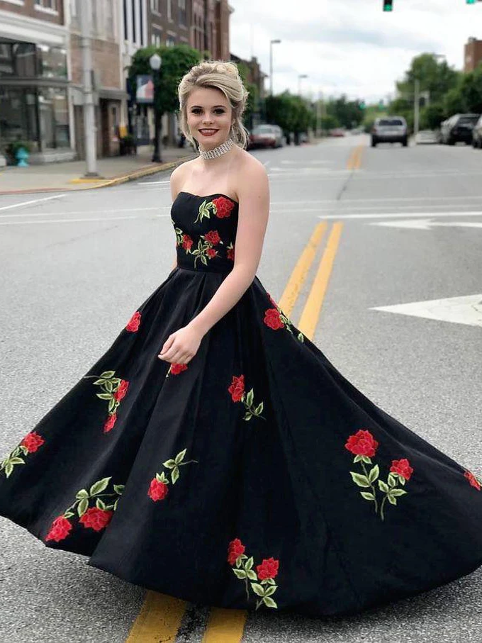 Black Prom Dresses Sweetheart A-line Embroidery Long Simple Prom Dress WED020