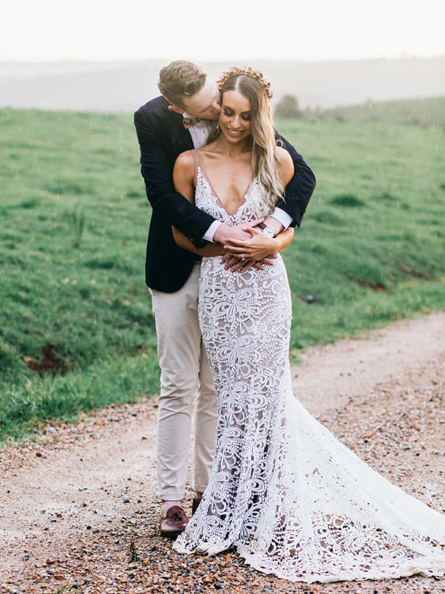 Mermaid V neck Rustic Wedding Dresses Lace Bridal Gowns WEK047