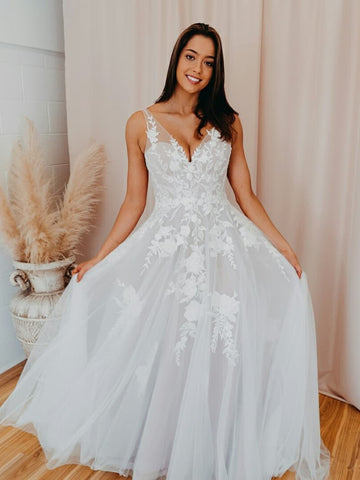 A-line V Neck Soft Tulle Lace Appliques Romantic Wedding Dress WEK060