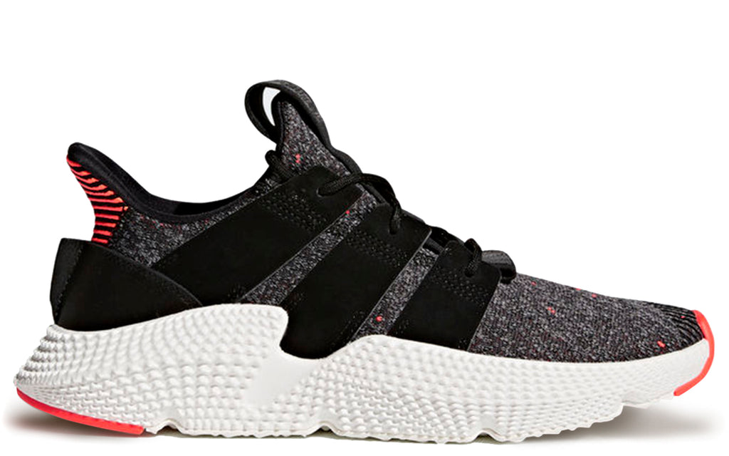 Prophere Sneakers in Core Black/Solar Red