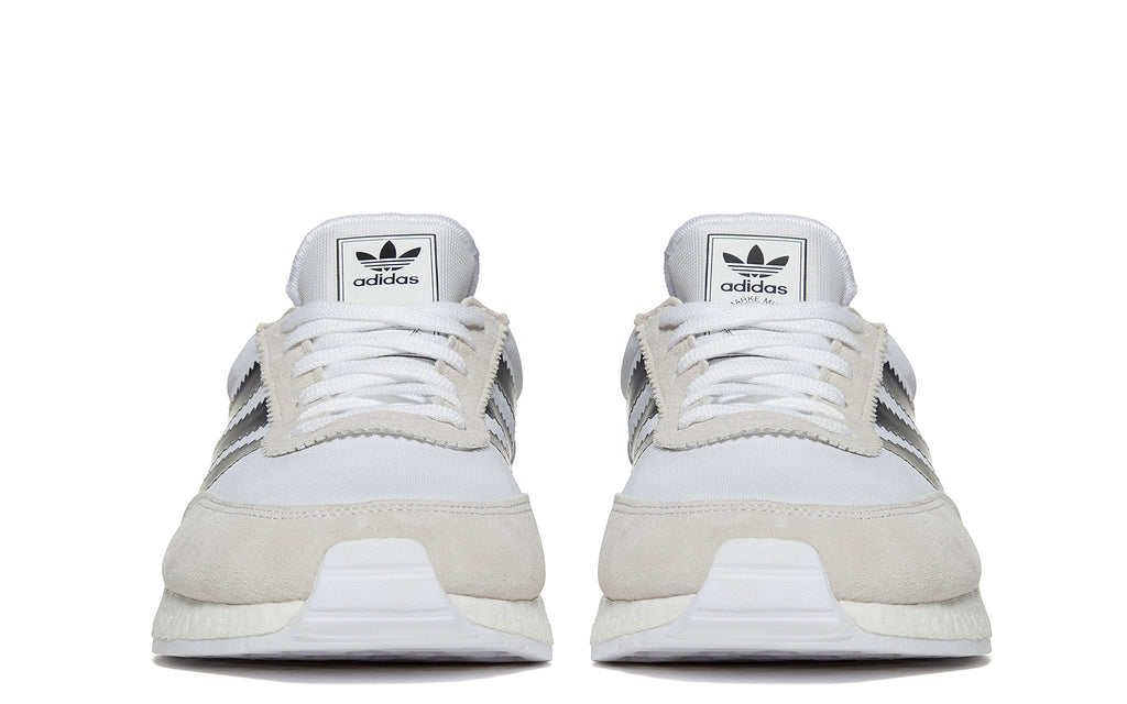 I-5923 Runner in White