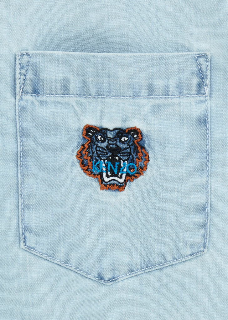 Short Sleeve Denim Tiger Shirt in Light Blue