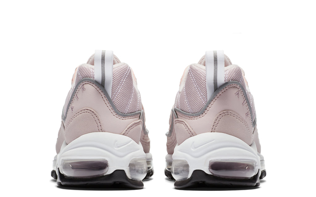 Air Max 98 W in Barely Rose/Silver/White