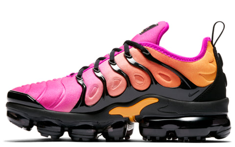 SS18 Air Vapormax Plus in Black/Fuscia/Coral