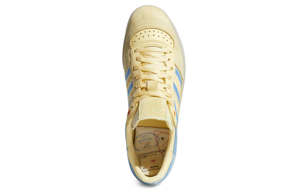 Handball Top Oyster in Easy Yellow/Ash Blue/Chalk White