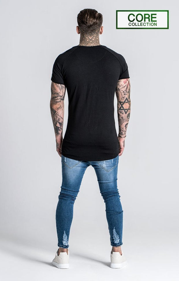 GIANNI KAVANAGH T-SHIRTS BLACK TEE WITH GK RIBBON