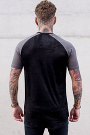 SINNERS ATTIRE T-SHIRTS SINNERS - SUEDE RAGLAN TEE - BLACK/CHARCOAL