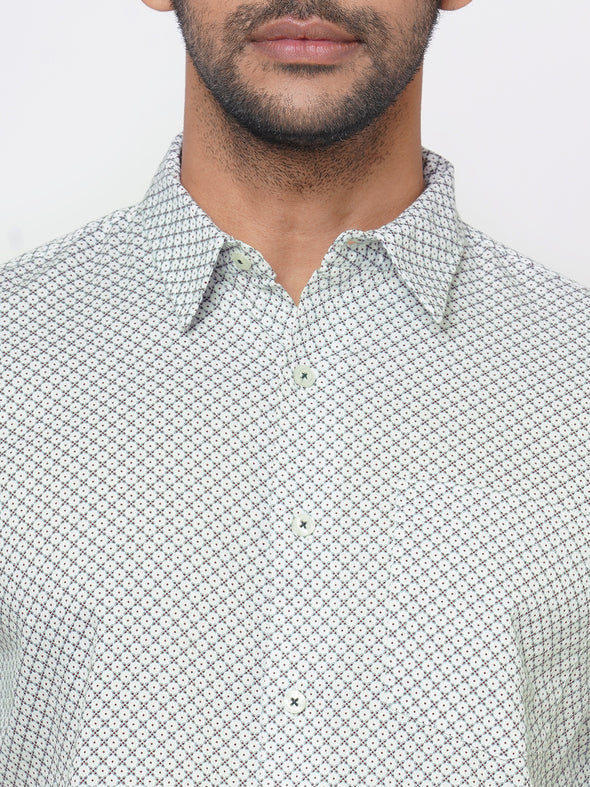 Men's Cotton Green Regular Fit Geo Printed Shirt