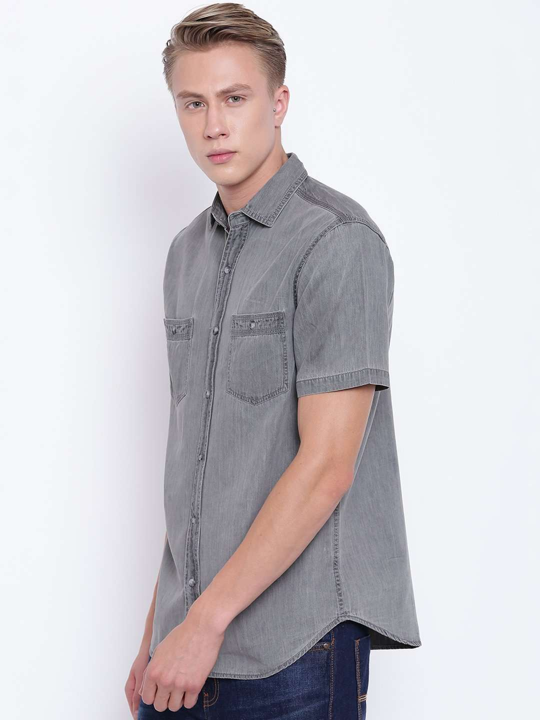 d06bb33bdb Men s Short Sleeve Slim Fit 2 Pocket Washed Denim Shirt
