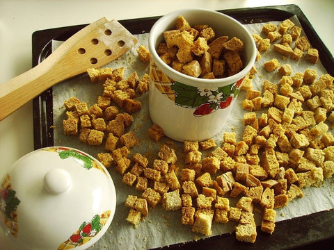 thanksgiving-stuffing-bread-cubes