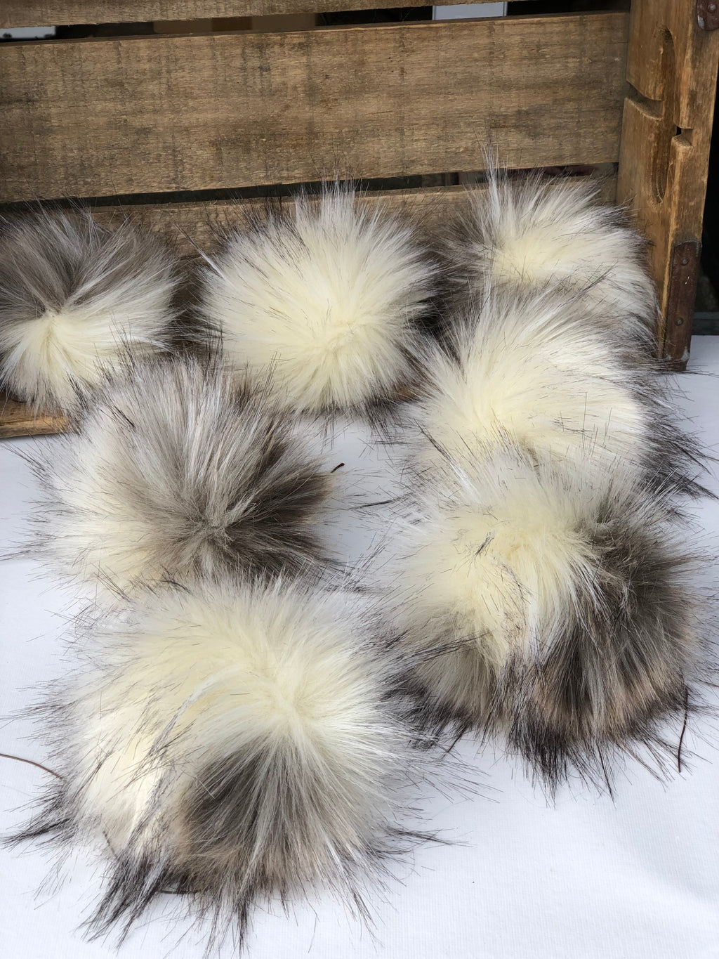Minx Faux Fur Pom Pom - KitchenKlutter