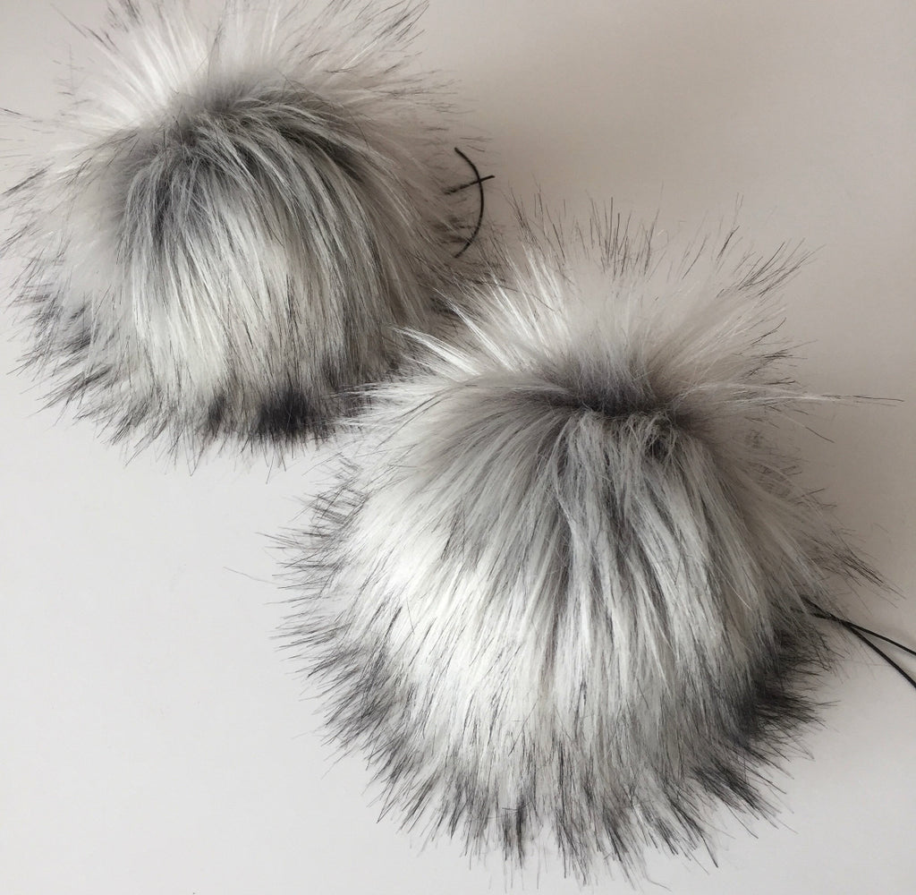 Silver Fox Faux Fur Pom Pom - KitchenKlutter