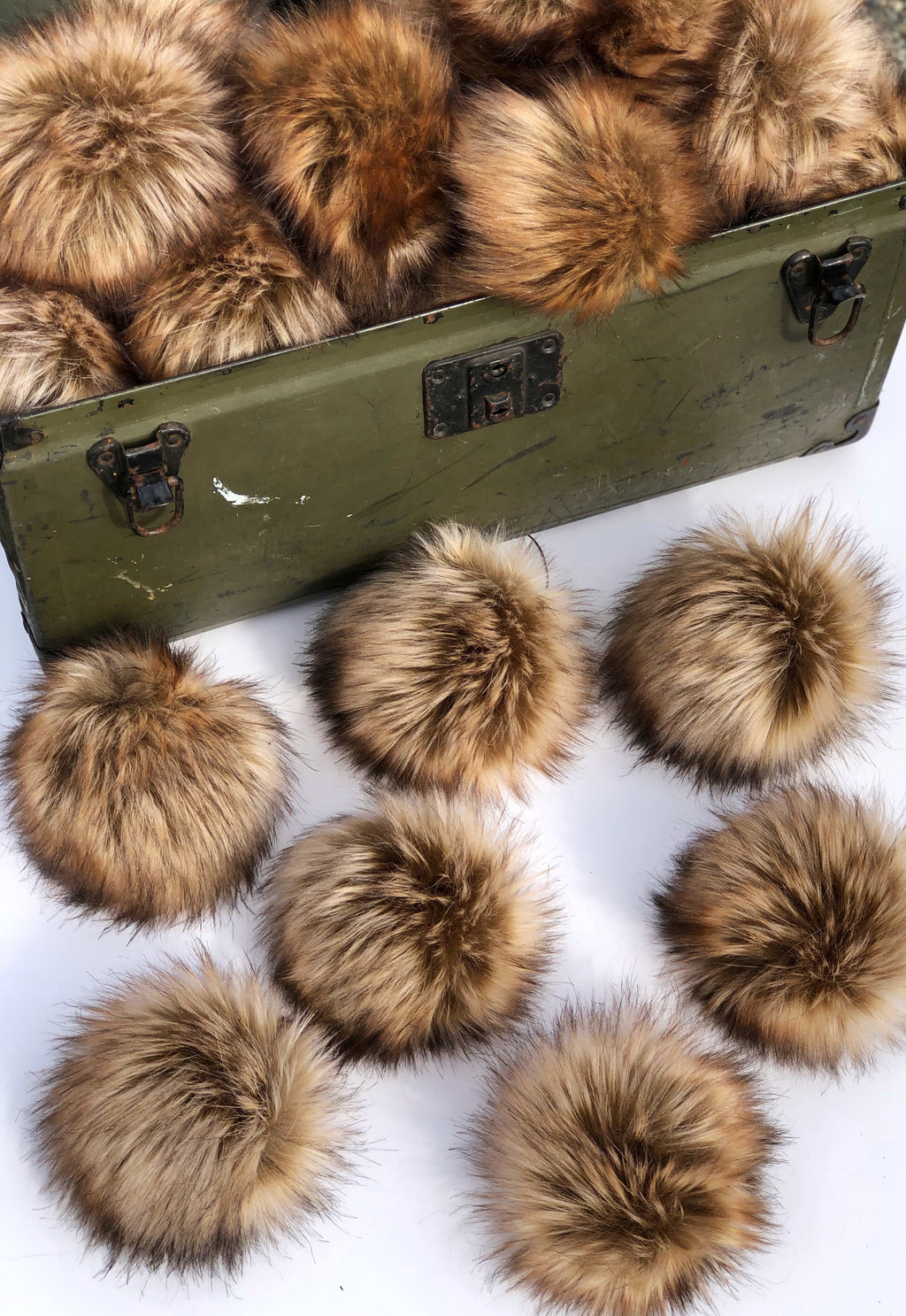 Toasted Marshmallow Faux Fur Pom Pom - KitchenKlutter