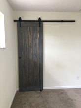 "Load image into Gallery viewer, SINGLE BARN DOOR : ""Classic"" Style"