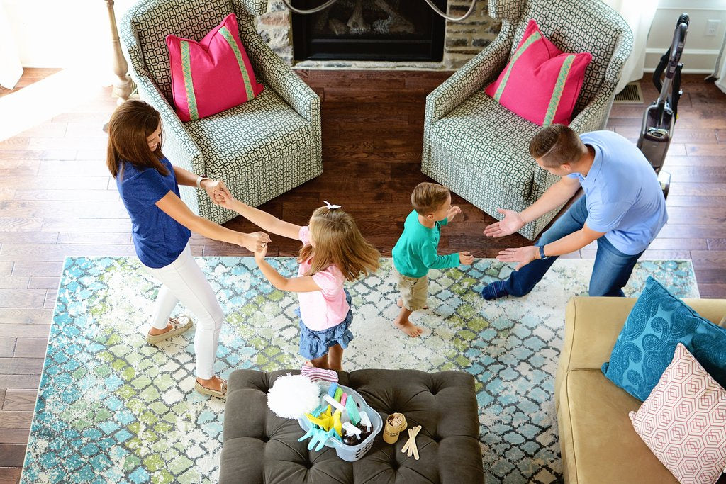 How Decluttering Help your Family to Make Time Together