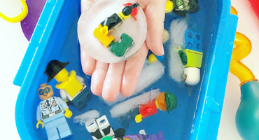 Get Messy with LEGOs: Frozen Minifigures!