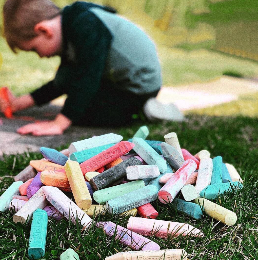 Inspirational Instagram Accounts to Encourage Play & Learning Outside