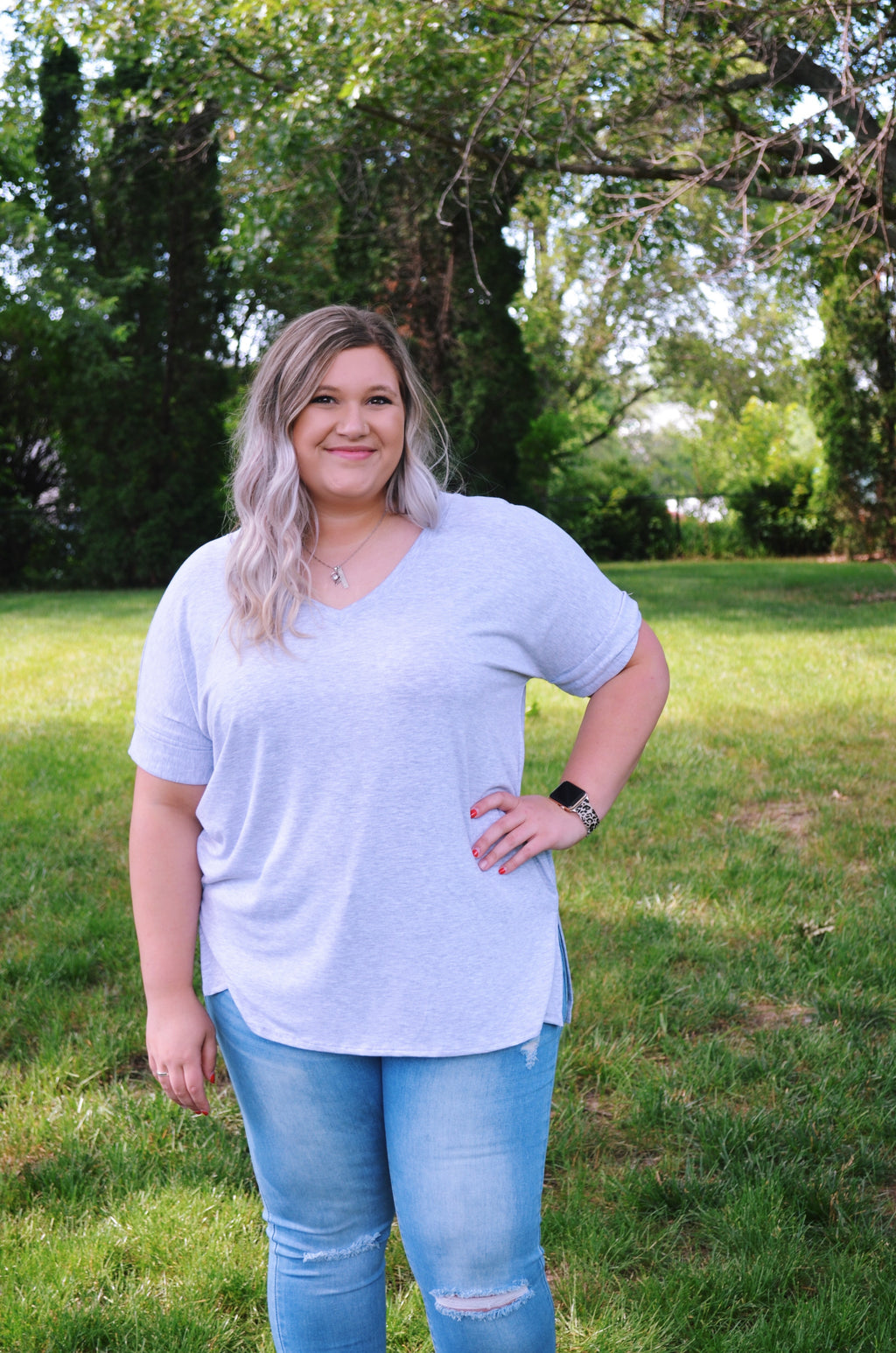 Curvy V-neck Top {Grey}