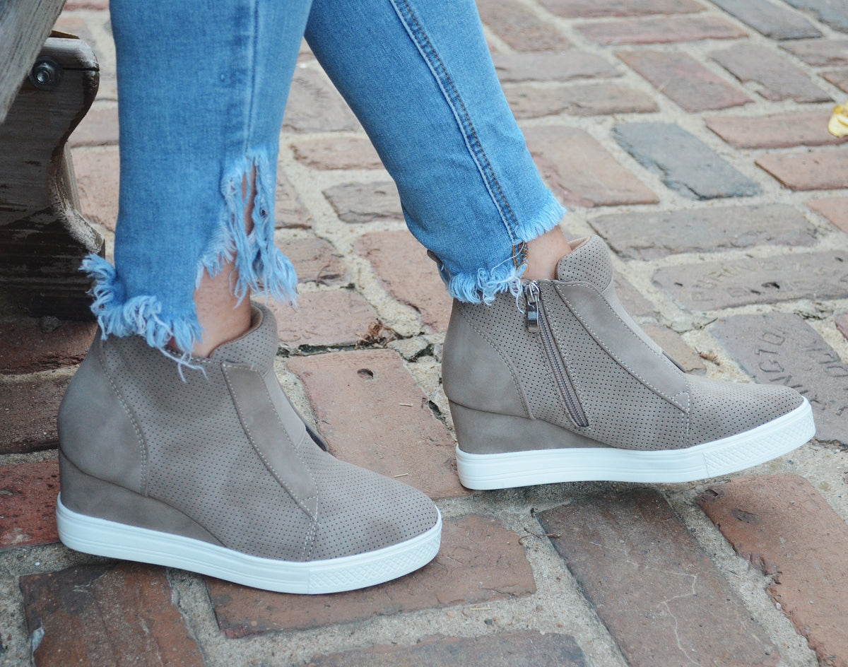 Zoey Wedge Sneaker {Taupe} – Wild Layne
