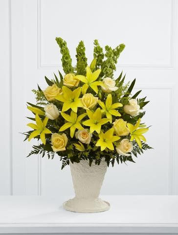 The FTD Golden Memories Arrangement (S38-4526)