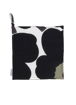 Pieni Unikko Pot Holder in white, black