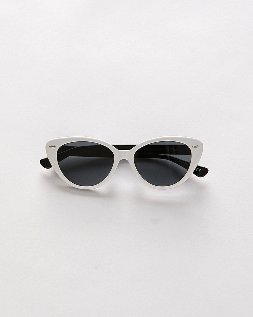 Poka - White Black Polished / Black